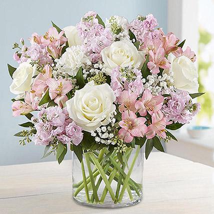 Vase Full Of Romance: Gift Delivery Bahrain