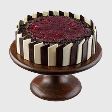 Beautiful Black Forest Cake: Cake to Egypt