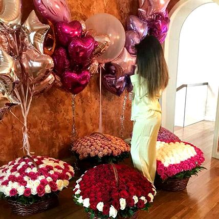 Helium Magic With Baskets Of Flowery Love: Balloon Decoration Dubai