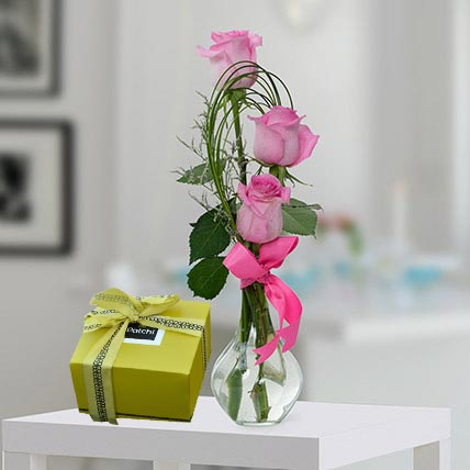 Pink Roses and Patchi Chocolate Combo: Valentine Flower Arrangements