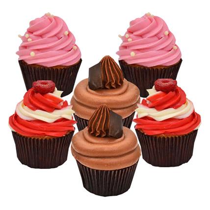Six Yummy Cupcakes: Christmas Themed Cupcakes