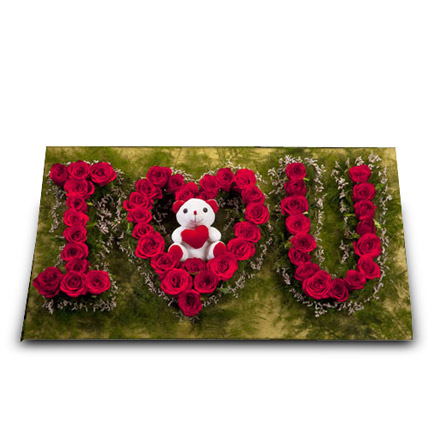 Cute Portrayal of Love: Roses & Teddies