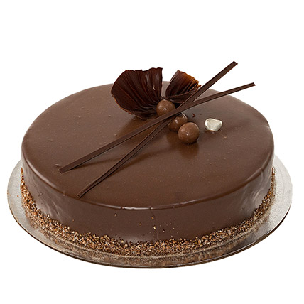 Yummy Chocolate Cake: Gifts For Onam