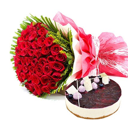 A Rosy picture of love: Flowers and Cake