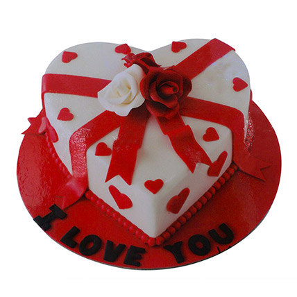 Special Valentine Cake: Heart Shaped Cake Delivery