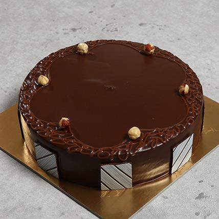 Eggless Hazelnut Chocolate Cake: Eggless Cakes