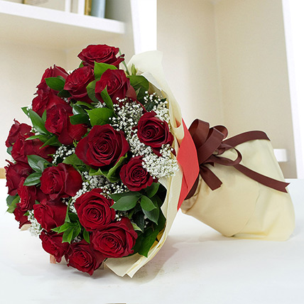 Lovely Roses Bouquet: