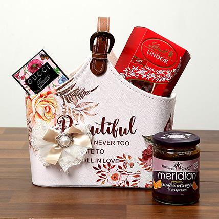 Chocolates With Designer Ladies Bag: Valentines Day Chocolates