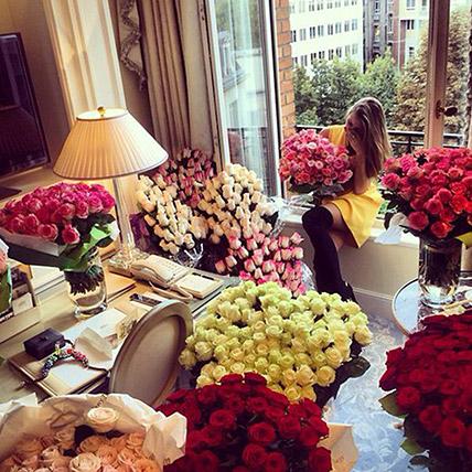Enchanting 500 Roses Vase Arrangement:  Gifts Delivery