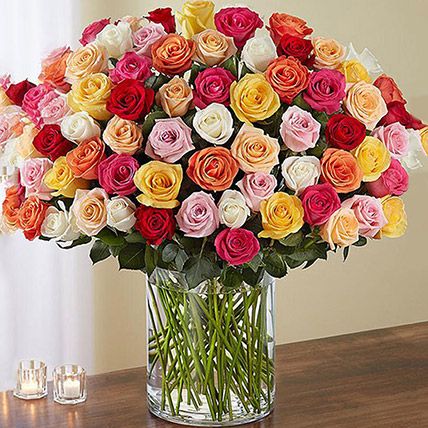 Bunch of 100 Mixed Roses In Glass Vase: Romantic Gifts