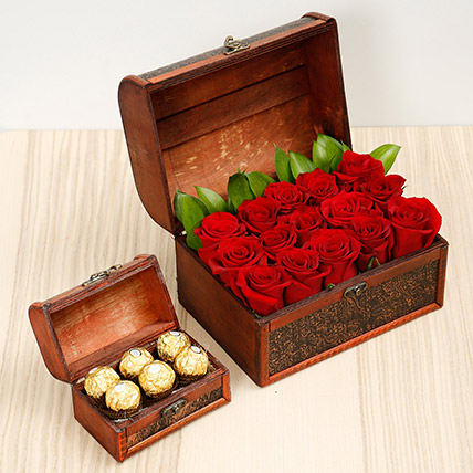 Elegant Box Of 15 Red Roses and Chocolates: Chocolates in Dubai