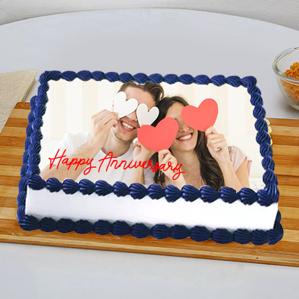 In Love Anniversary Photo Cake: Valentine Day Cakes for Her