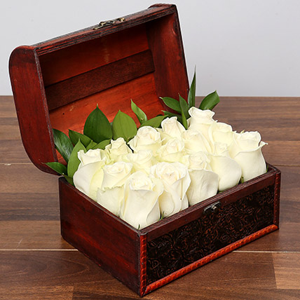White Serene beauty: Flower in a Box