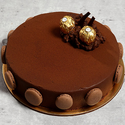 Ferrero Rocher Cake: Chocolate Cake