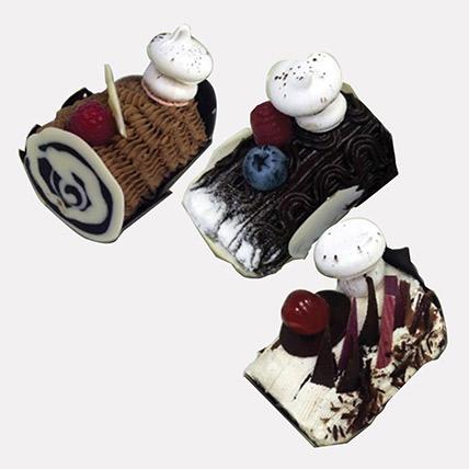 Scrumptious Mono Log Cakes: Happy New Year Cake 2020