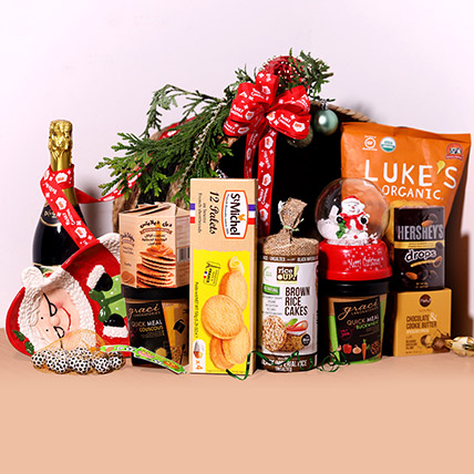 Sparkling Juice And Snack Hamper: Christmas Gift Ideas