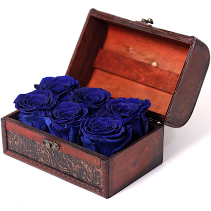 6 Blue Forever Roses In Treasure Box: Forever Rose Dubai