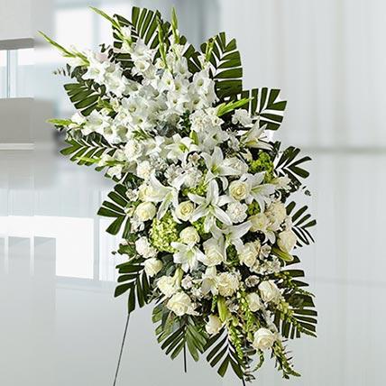 Luxurious White Flowers: Flower Wreath