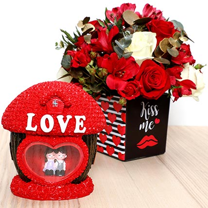 Romantic Flowers and Couple Idol: Valentines Gifts For Men