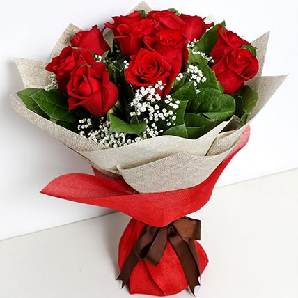 Bunch Of Ravishing Roses: Bouquet of Flowers
