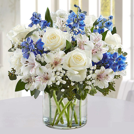Blue and White Floral Bunch In Glass Vase:
