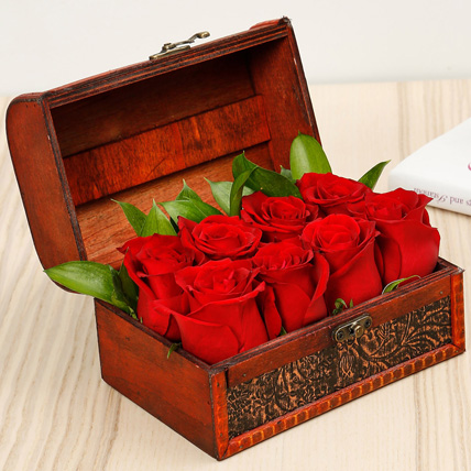 Passionate 8 Red Roses Box: Flower Delivery for Him