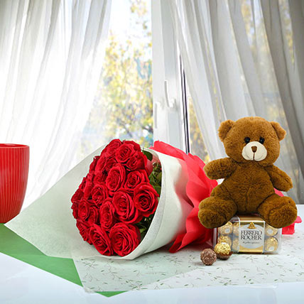 Cute Gift Hamper For U: Flowers and Teddy Bears