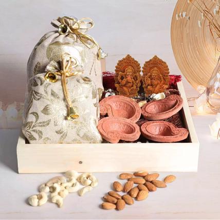 Diwali Gifts In Wooden Tray: Diwali Gift Ideas