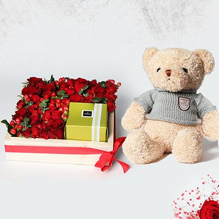 Arrangement of Roses and Patchi: Patchi Chocolate Dubai