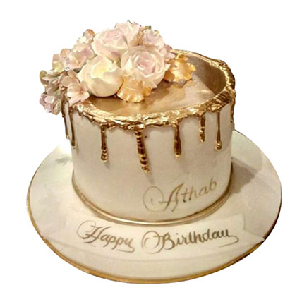 Delightful Roses Cake: Cakes Offers