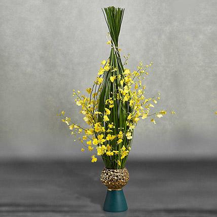 Oncidum Floral Display: Exotic Flowers