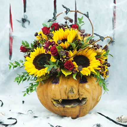 Evil Pumkin n Sunflowers: Halloween Flowers
