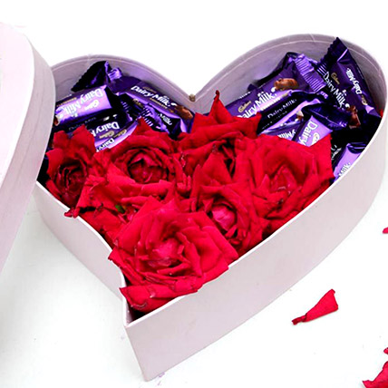 Heart Of Chocolates And Roses: Pakistan Gift
