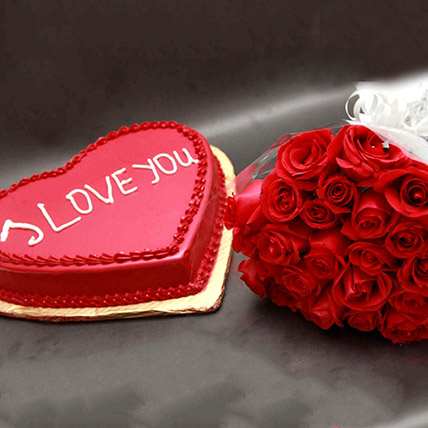 Roses And I Love You Cake: Flower Delivery Pakistan