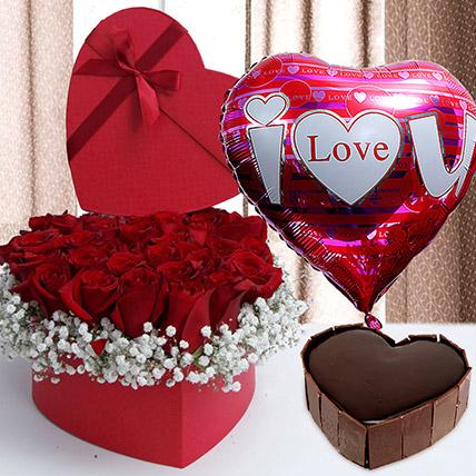 Splendid Valentine Arrangement: Gift Delivery Philippines