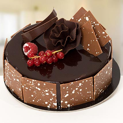 4 Portion Fudge Cake: Send Gifts to Jeddah