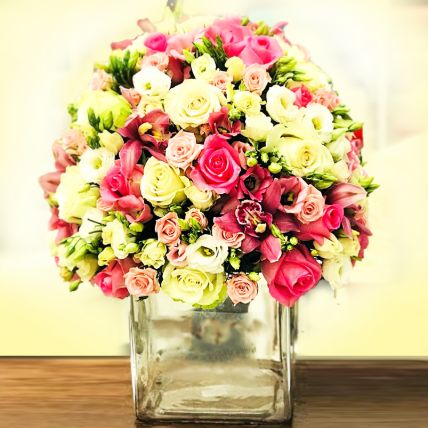 Delightful Mixed Flowers Vase Arrangement: Saudi Arabia Gift Delivery