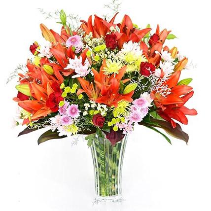 Radiant Lilies In Vase:  Flower Delivery Sri Lanka