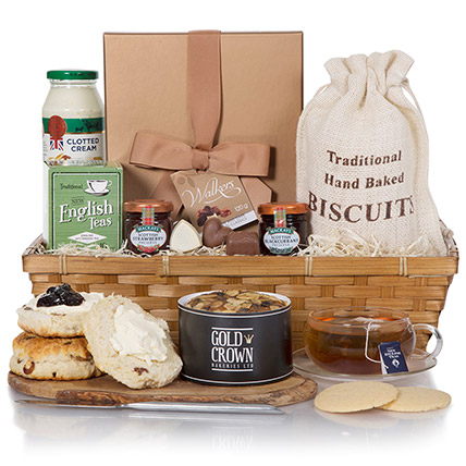 Tea Time Grand Hamper:  Gifts UK