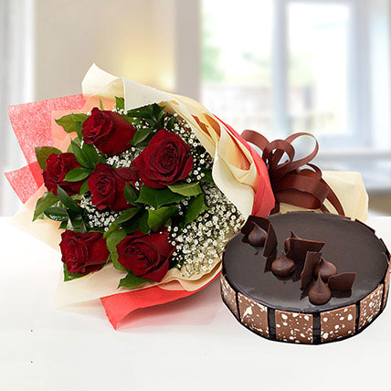 Elegant Rose Bouquet With Chocolate Cake BH