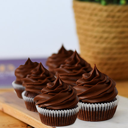 Delectable Chocolate Cupcakes 6 Pcs