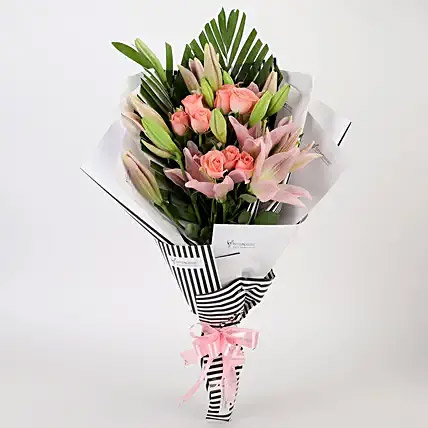 Roses and Lilies Striped Bouquet