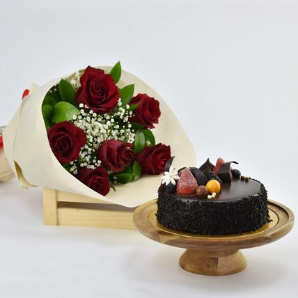 Elegant Rose Bouquet With Chocolate Fudge Cake