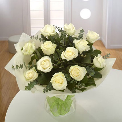 White Roses Bouquet OM