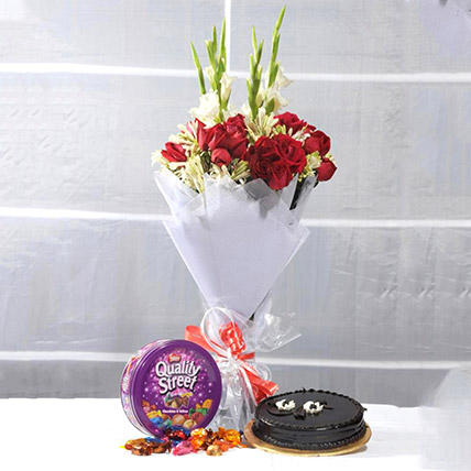 Perfect Treat Of Flowers N Cakes
