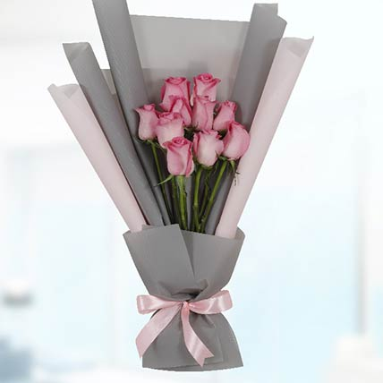 Delicate 10 Pink Roses Bouquet