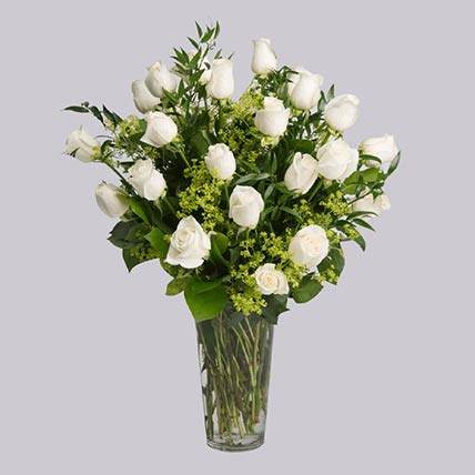 30 Stems Graceful White Roses In Vase