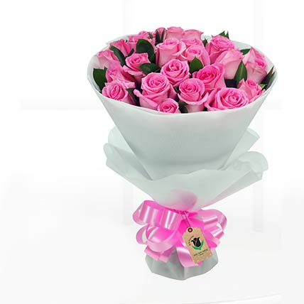 30 Stems Pretty Pink Roses Bunch