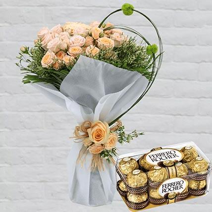 Spray Roses Bouquet & Ferrero Rocher 16 Pcs