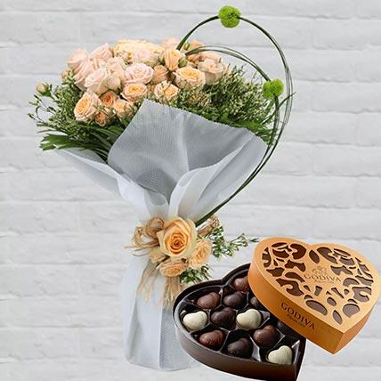 Spray Roses Bouquet & Godiva Chocolates 500 gms